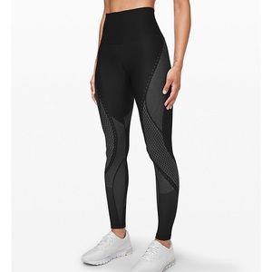 """NWT Lululemon Mapped Out Hi-Rise Tight 28"""""""